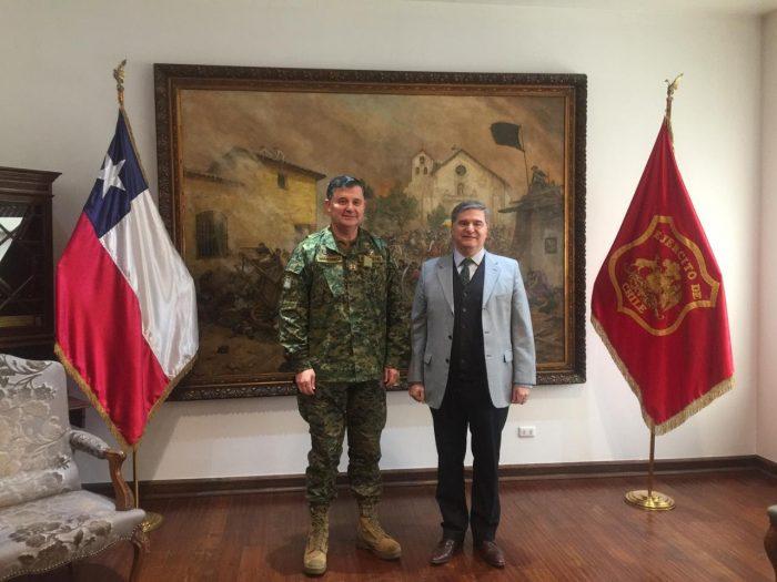 Tras reunirse con el presidente del CPLT, comandante en Jefe del Ejército asegura que sus viajes