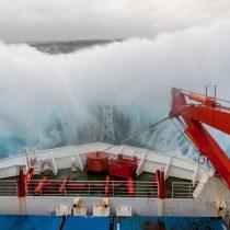 Científicos chilenos actualizan mil años de información climática antártica