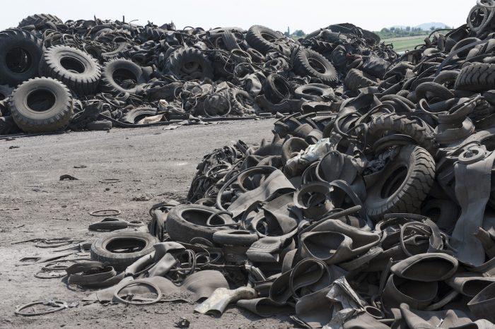 ¿Por qué reciclar neumáticos si es más barato enviarlos a los vertederos?