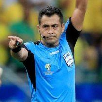 El árbitro chileno Julio Bascuñán fue ampliamente felicitado por su labor en el Brasil-Venezuela y sus tres goles anulados