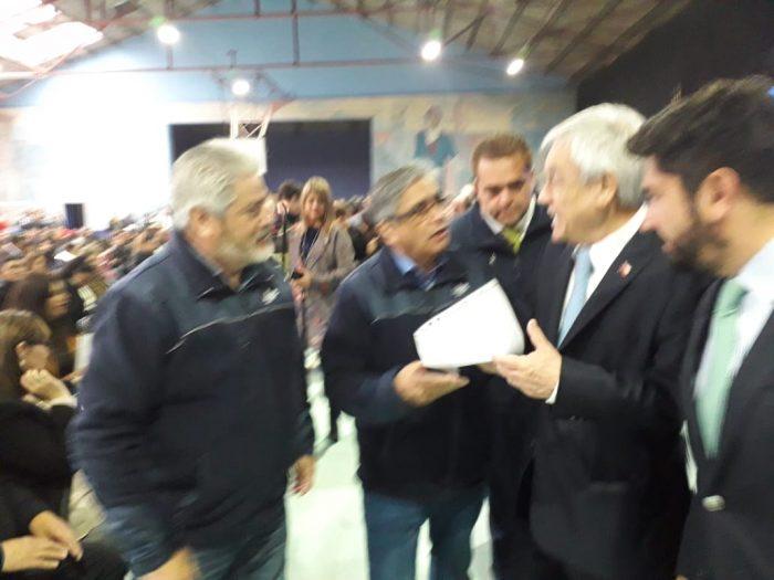 La carta que los trabajadores del acero entregaron a Piñera para proteger el empleo en el sector
