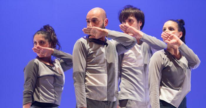 """Obra de danza """"…Y escaparon del peso de la oscuridad"""" del coreógrafo danés Thomas Bentin en Teatro Biobío, Concepción"""