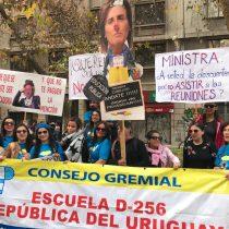Tres grandes marchas de profesores se conectan en el centro de Santiago