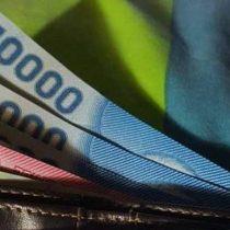 El experimento que muestra que la gente devuelve más las billeteras perdidas con dinero... excepto en dos países latinoamericanos