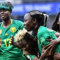 Cuesta arriba para Chile: Camerún gana en el último minuto y obliga a la Roja a golear a Tailandia