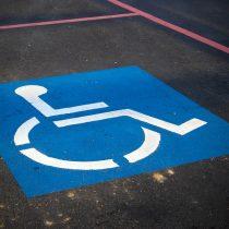 Modifican sanciones para quienes utilicen erróneamente estacionamientos exclusivos para discapacitados