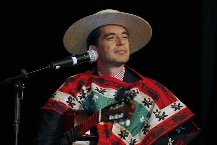 No hay historia pero sí música: integrante de Los Huasos Quincheros es el nuevo superintendente de Educación