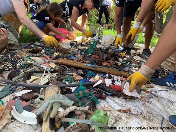 Llaman a descontaminar los mares de artículos desechables y de plásticos