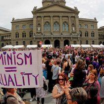 Multitudinaria protesta por la igualdad de género se tomó las calles de Suiza