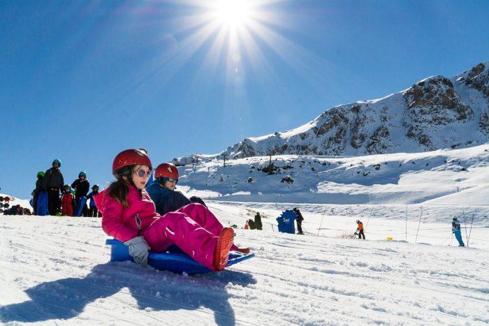 El Colorado y Parque de Farellones preparan protocolo si autoridades permiten apertura de centros de ski