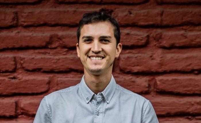 Psicólogo Pedro Uribe y la «Ilusión viril»: el proyecto terapéutico con el que busca erradicar la «masculinidad tóxica»