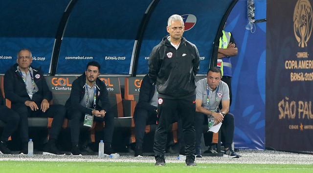 Reinaldo Rueda se resigna contra el VAR que hizo sufrir a Chile: