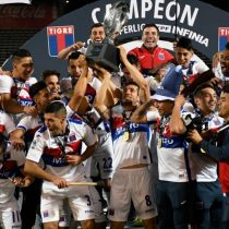 Pablo Lescano celebra al matador: Tigre venció a Boca y se consagró campeón de la Copa Superliga de Argentina