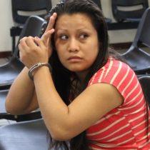La condena de abortar en El Salvador: joven de 21 años enfrentará nuevo juicio tras ser acusada de homicidio