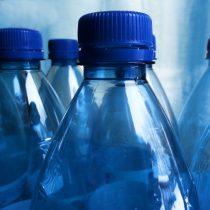 Portugal recompensará con descuentos en el comercio a quienes devuelvan botellas de plástico