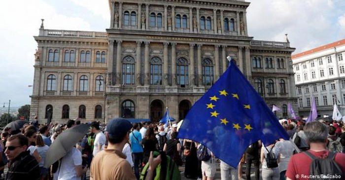 Parlamento con mayoría ultranacionalista de Hungría aprueba una ley que limita la libertad de la Academia de las Ciencias