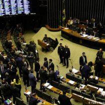 Diputados aprueban en primer debate la reforma de jubilaciones en Brasil