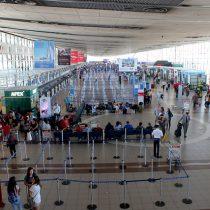 """Sernac se lanza contra Latam y otras aerolíneas por tasas de embarque de pasajeros que no viajan: """"No corresponde que se queden con dinero de los consumidores"""""""