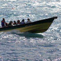 Rescatan a 38 personas tras naufragio que dejó un muerto en Aysén