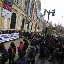 El conflicto no cesa: alumnos del Instituto Nacional realizan protestas en su retorno a clases
