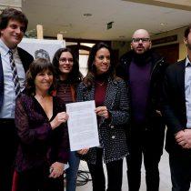 Presentan proyecto de ley para que universidades no cobren el total del arancel a estudiantes con ramos pendientes en el último año