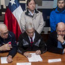 Piñera realiza visita express a Osorno para constatar normalización del suministro y emplazar a la empresa: hubo