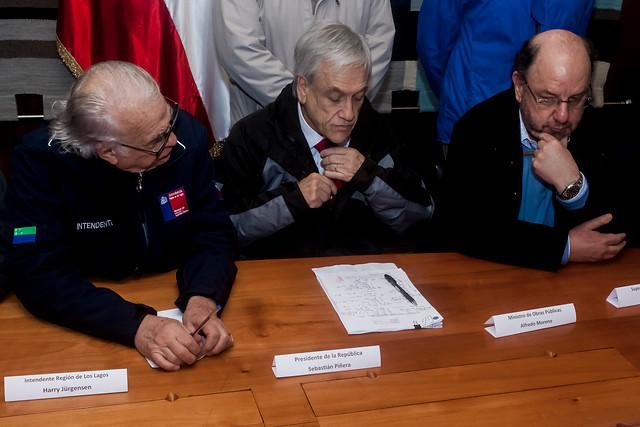"""Crisis de Osorno: alcalde insiste en falta de apoyo del Gobierno y Piñera asegura que """"hicimos todo lo que se podía"""""""