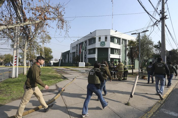 Carabineros heridos por artefacto explosivo en Comisaría de Huechuraba aumentan a 8