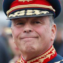 Excompañeros de generación se cuadran con el general (r) Oviedo: destacan lo recto de