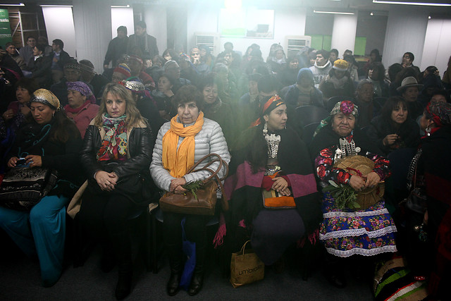 Gobierno firma resolución que suspende la consulta indígena y no descarta su cancelación definitiva