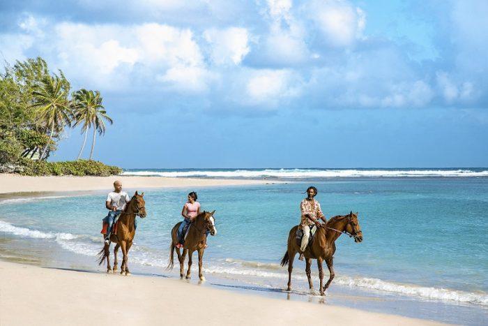 Barbados: el destino caribeño que busca conquistar a los chilenos