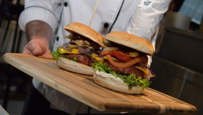 La hamburguesa de proteína vegetal más famosa del mundo ya está en Chile