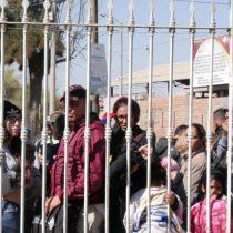 Y verás como quieren en Chile...: Cadem revela que el 57% de las personas no quiere dejar entrar a los migrantes varados en la frontera