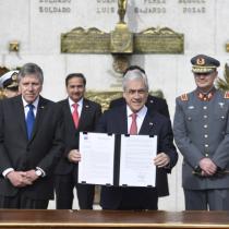 Piñera firma decreto que facilita colaboración de Fuerzas Armadas para combatir el narcotráfico en la frontera
