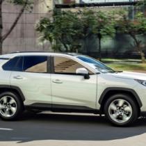 Toyota RAV4 y Prius lideran venta de vehículos electrificados este año