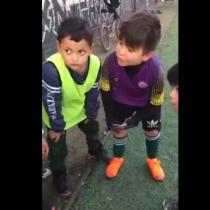La tierna arenga de un equipo de niños de La Pintana antes de jugar un partido de fútbol