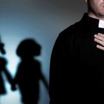La polémica encuesta PUC que busca conocer sobre las experiencias de abusos eclesiásticos y que critican los sobrevivientes