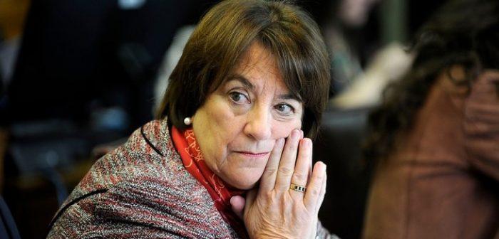 Exministra Delpiano critica paro docente:
