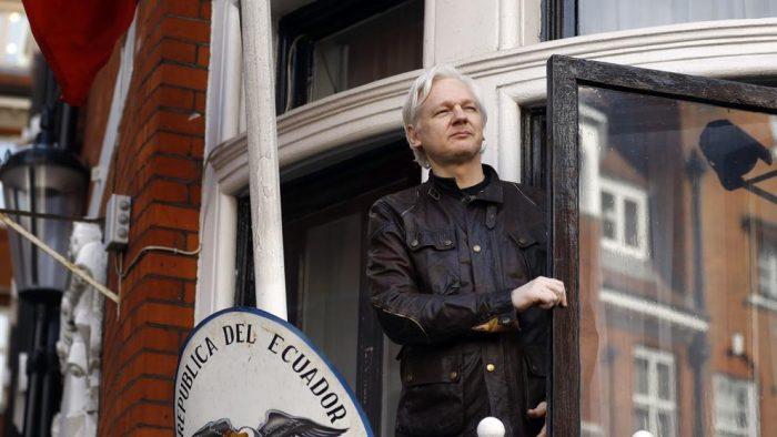 Ecuador revela costos de asilo a Assange en su embajada en Londres