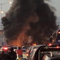 Manifestantes cortaron con barricadas la autopista Vespucio Norte y generaron un kilométrico taco