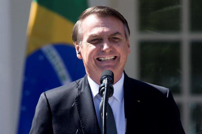 Bolsonaro tilda como