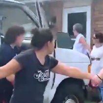 Estados Unidos: vecinos forman cadena humana para proteger a familia perseguida por la policía migratoria