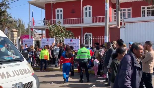 Venezolana sufre aborto afuera del consulado chileno en Tacna a la espera de una visa