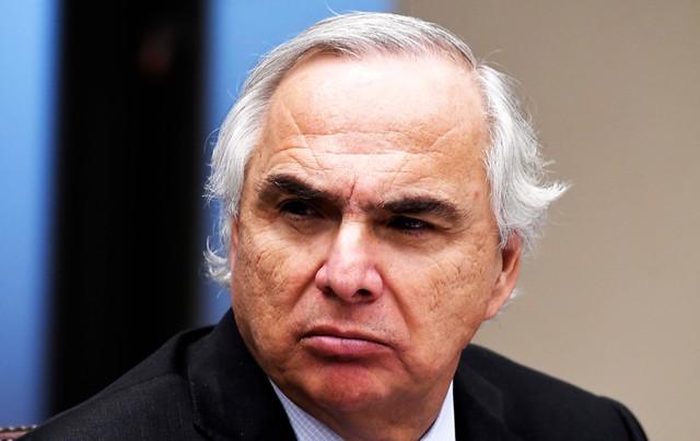 """Chadwick matiza la ofensiva del Gobierno contra el PS: """"Esto está en el ámbito de la comuna de San Ramón"""""""