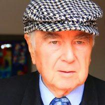 A los 91 años muere Enrique Lafourcade, autor de Palomita Blanca
