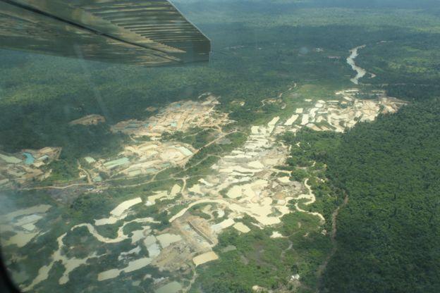 Las imágenes que muestran el enorme avance de la minería ilegal en la Amazonía en solo 7 meses