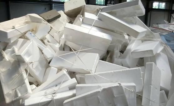 Plumavit: ¿por qué es de los plásticos que más problemas ambientales genera?