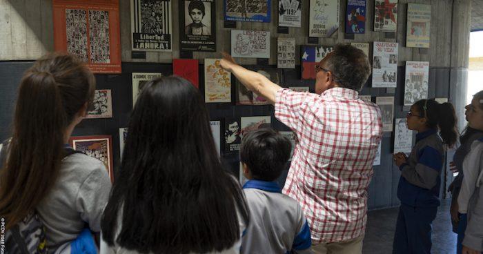 """Conferencia """"¿Cuál es el rol de la enseñanza de la historia en las democracias post dictaduras?"""" con Sandra Raggio en Museo de la Memoria"""