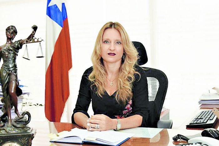 Ministra Rutherford envía oficio al TC para que aclare el fallo que paraliza causa contra Oviedo