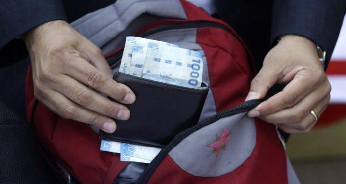 """Especialista de pagos: """"El dinero en efectivo en Chile está en el ocaso"""""""
